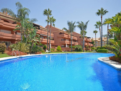 Marbella - Puerto Banus, Fabulous duplex penthouse for sale in Puerto Banus a short walk from the beach