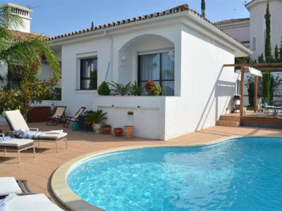 Benalmadena, Luxury villa for sale in Benalmadena Costa with a private garden and swimming pool