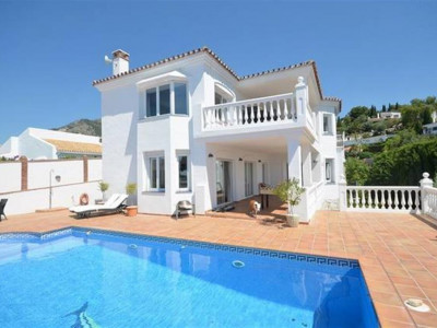 Mijas, Contemporary villa for sale in Mijas with panoramic views to the Mediterranean sea