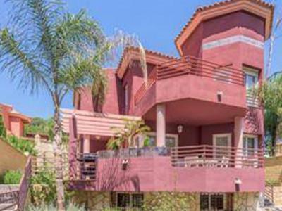Torremolinos, Refurbished villa for sale in Torremolinos just 5 minutes from Malaga airpot