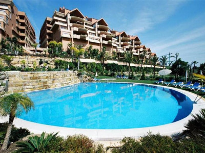 Nueva Andalucia, Apartment in Nueva Andalucia in a luxurious complex a short drive from Puerto Banus