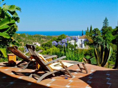 Benahavis, Andalucian style villa in El Madroñal in Benahavis with fabulous sea and mountain views