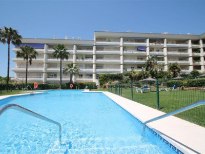 Marbella Golden Mile, Lovely elevated ground floor apartment for sale in the Marbella Golden Mile