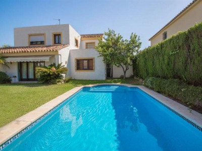 Marbella East, Beautiful villa in Marbella East in an exclusive neighbourhood near Los Monteros