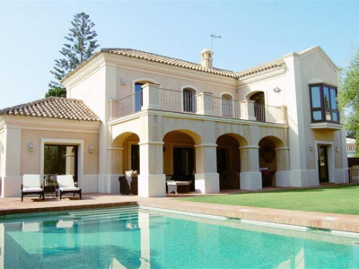 San Pedro de Alcantara, Elegant villa for sale in Guadalmina Baja a short walk from the beach