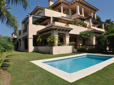 Nueva Andalucia, Luxury apartment in the Nueva Andalucia golf valley just behind Puerto Banus