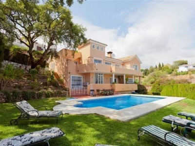 Mijas Costa, Wonderful villa for sale in Mijas costa in one of the best areas of Calahonda