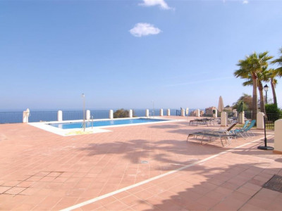 Mijas Costa, Ground floor apartment for sale in Calahonda in Mijas Costa with panoramic sea views