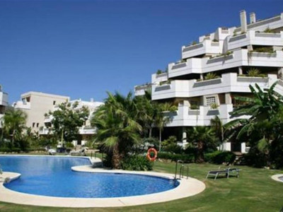 Nueva Andalucia, Quality ground floor apartment in the heart of the Nueva Andalucia golf valley