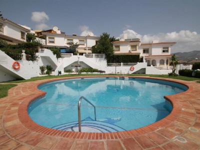 Mijas Costa, Semi-detached house for sale in Mijas Costa a short drive from Fuengirola