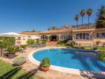 Marbella Golden Mile, Stunning villa in Nagueles in the heart of the Marbella Golden Mile