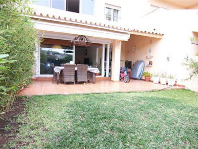 Benalmadena, Great townhouse in Arroyo de la Miel within walking distance to the town centre