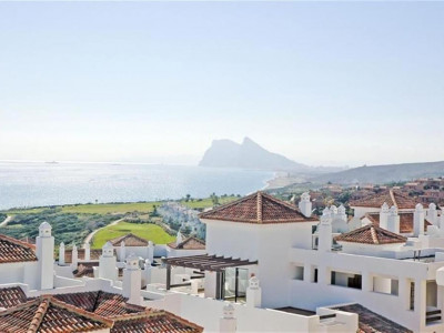 Alcaidesa, New townhouse for sale in Alcaidesa with panoramic golf & sea views
