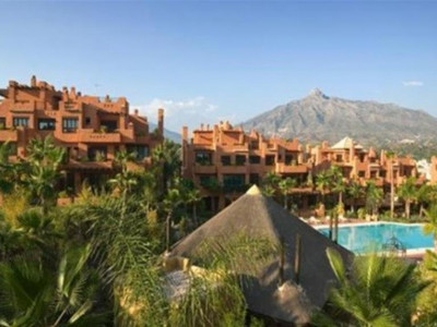 Marbella - Puerto Banus, Luxury apartment next to Puerto Banus in a serviced and managed apartahotel complex