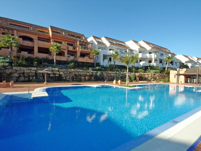 Manilva, 2 BEDROOM GROUND FLOOR APARTMENT FOR SALE IN DUQUESA VILLAGE