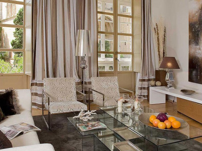 Malaga - Centre, Classical Spanish style penthouse apartment for sale in Central Malaga