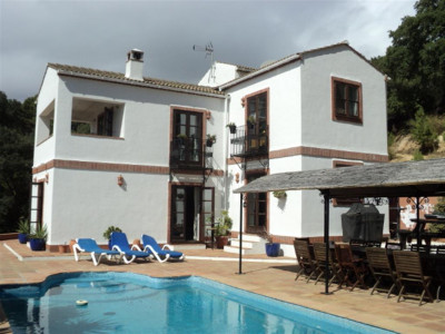 Casares, Wonderful country house for sale in Casares with panoramic views to Giraltar