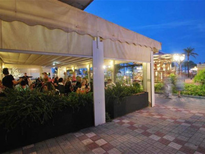 Fuengirola, Freehold restaurant for sale on the promonade in Fuengirola