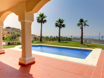 Estepona, Brand new villa for sale in the New Golden Mile in Estepona