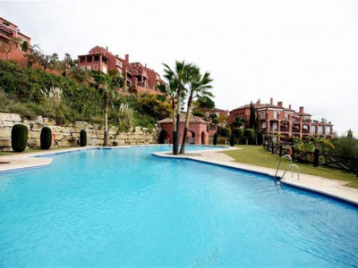 Benahavis, Beautiful apartment for sale in La Quinta golf with stunning sea views