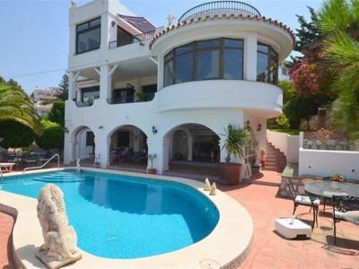 Mijas Costa, Fantástica casa en venta en La Cala de Mija con fantásticas vistas panorámicas