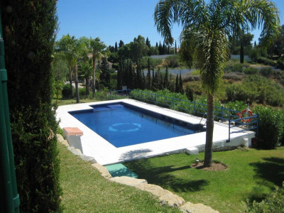 Estepona, Spacious semi-detached house for sale in Estepona in the Costa del Sol