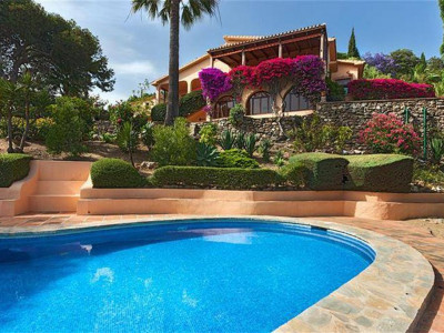 Benalmadena, Fabulous villa for sale in Arroyo de la Miel in Benalmadena Costa