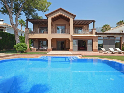 Marbella Golden Mile, Elegant Marbella villa for sale in the famous Golden Mile