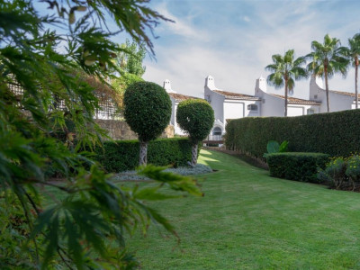 Marbella Golden Mile, Probably the best located ground floor apartment in the beautiful secure gated community