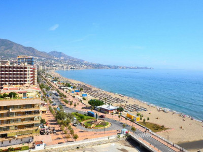 Fuengirola, WONDERFUL CORNER PENTHOUSE WITH AMAZING SEA VIEWS IN FUENGIROLA