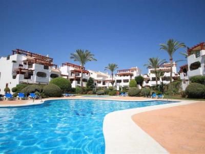 San Pedro de Alcantara, Bargain garden apartment in a beachside complex in San Pedro de Alacantara