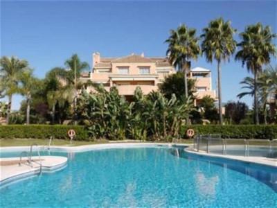 Nueva Andalucia, Beautiful garden apartment for sale in Nueva andalucia behind Puerto Banus