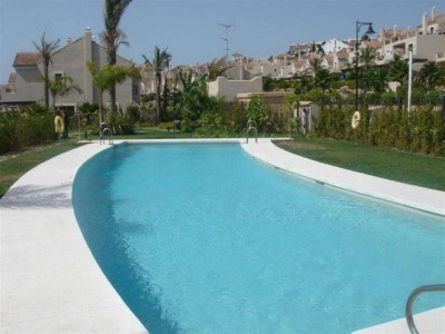 Estepona, Semi detached villa for sale in El Paraiso in the New Golden Mile in Estepona