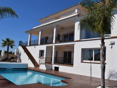 Marbella East, Fantastic modern style villa for sale in El Rosario in Marbella east