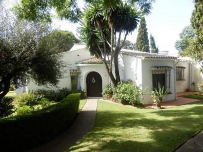 Marbella, Increíble Villa a tan solo 10 minutos en pie hasta el centro de Marbella