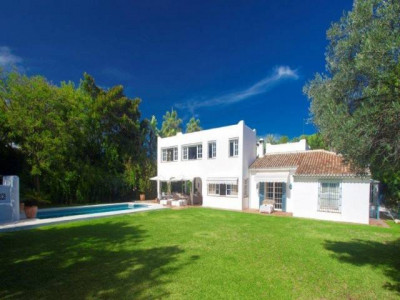 San Pedro de Alcantara, Stunning villa for sale in Guadalmina baja in San Pedro de Alcantara