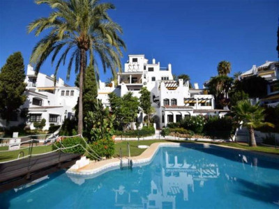 Nueva Andalucia, Beautiful apartment in the heart of the Nueva Andalucia golf valley