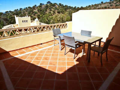 Marbella East, High quality apartments in the Elviria area of Marbella with golf views for sale