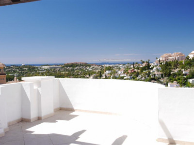 Nueva Andalucia, Brand new 2 bedroom apartment in Nueva Andalucia golf valley