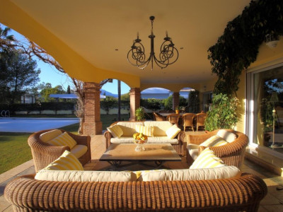 Nueva Andalucia, Quality villa for sale in Nueva Andalucia built to a very high standard