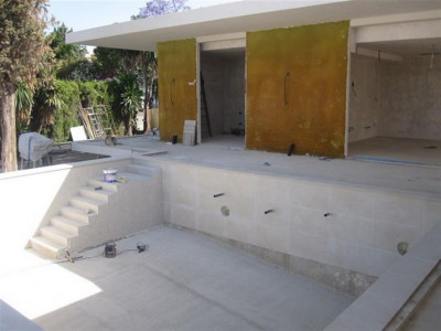 Nueva Andalucia, New contruction villa in Nueva Andalucia close to 5 top golf courses