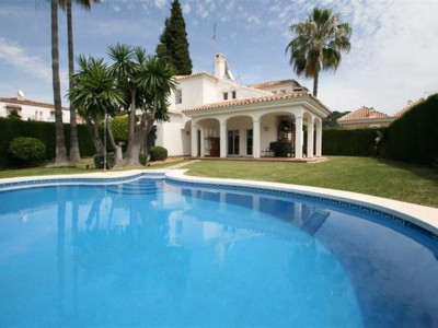 Nueva Andalucia, Fantastic villa in the Nueva Andalucia golf valley just behind Puerto Banus