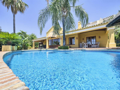 Benahavis, Beautiful villa for sale in Benahavis with stunning sea and coastal views