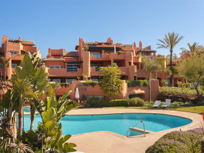 Marbella East, Luxury beachfront apartment in east Marbella with direct access to the beach