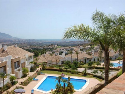 Mijas Costa, Quality townhouse for sale in La Cala in Mijas Costa with golf and sea views