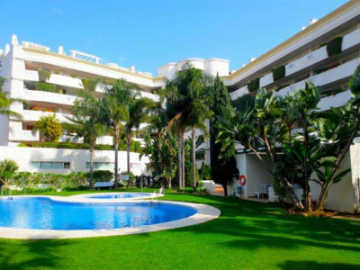 Marbella - Puerto Banus, Large apartment in the heart of Puerto Banus a 2 minute walk from the harbour and beach