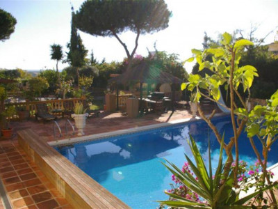 Marbella East, Charming villa in Marbesa in Marbella east a 5 minute walk from the beach