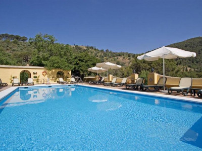 Malaga - Este, Beautiful Andalucian hotel in the hills of Malaga in a protected nature park