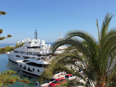Marbella - Puerto Banus, Duplex penthouse in Puerto Banus over looking the main pier and luxury yachts