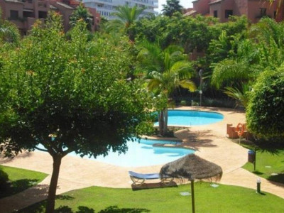 Marbella East, Fantastic apartment in east Marbella just 100 metres from the beach